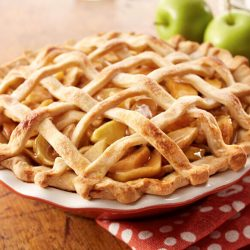17607-caramel-apple-pie-760x580